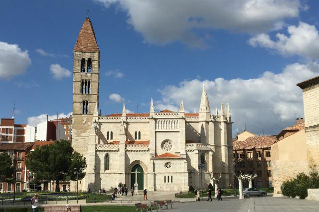 Iglesia de Santa María de la Antigua - Destino Castilla y León