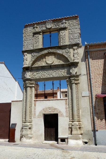 Palacio de Soto de Vergara en Madrigal de las Altas Torres - Destino Castilla y León