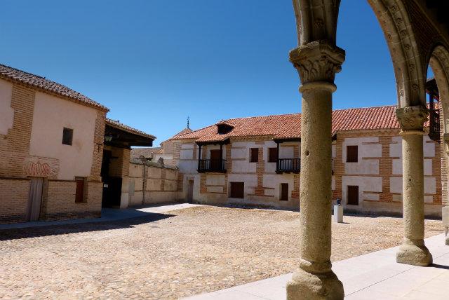Palacio de Juan II - Destino Castilla y león
