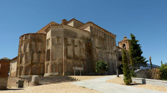 iglesia de Santa María del Castillo en Madrigal de las Altas Torres - Destino Castilla y León