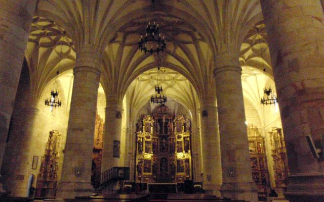 Bóveda de crucería de la Concatedral, en configuración de Salón - Imagne de Ermitas Medievales