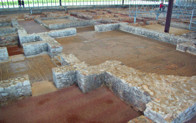 Villa romana de Almenara y Puras - Imagen de Wikipedia