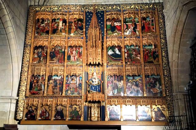 Retablo de la Virgen con el Niño - Destino Castilla y León