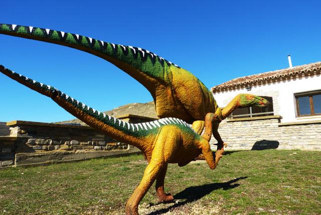 reproducción dinosaurios aula paleontológica Villar del Río