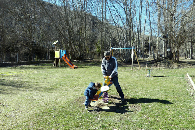 Parque Infantil y Barbacoas en Santa Cruz de Yanguas