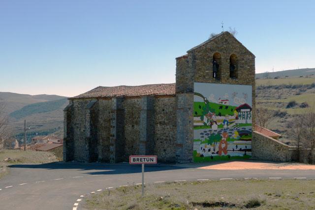 Iglesia de Bretún y mural de Numanguerrix