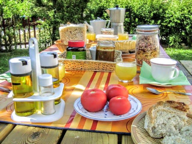 Desayuno vegano en Casa Rural Druna