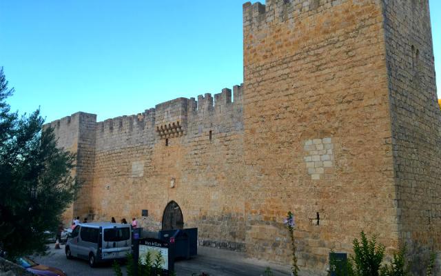 Palacio fortaleza de los Zúñiga en Curiel del Duero - Destino Castilla y León