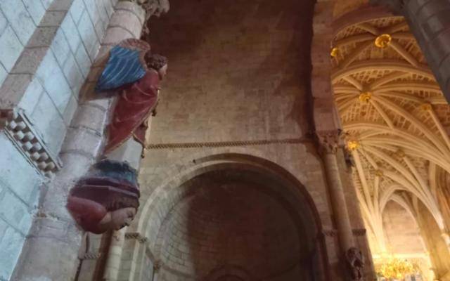 Interior de la basílica de San Isidoro - Destino Castilla y León