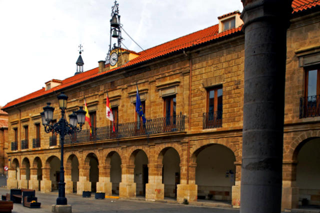 Ayuntamiento de Benavente en la Plaza Mayor