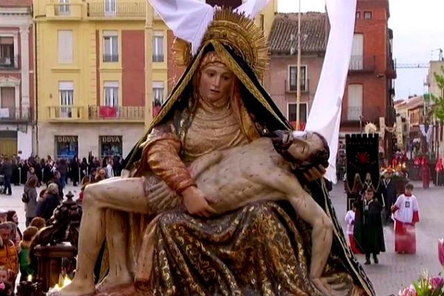Procesión de Semana Santa de Medina del Campo - Imagen RTVE