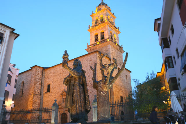 Templario con la Virgen de la Encina - Destino Castilla y León