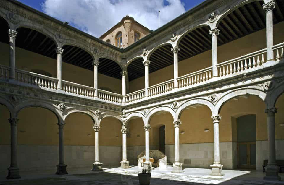 Palacio de los Dueñas en Medina del Campo - Imagen de Cardinalia