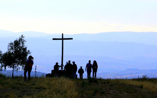 Cruz de El Acebo de San Miguel - Destino Castilla y León