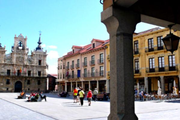 Plaza de España de Astorga - Imagen de Piligrim