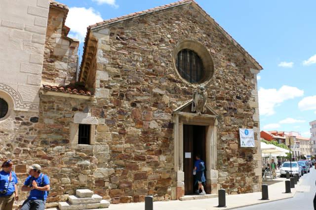 Capilla de San Esteban y celda de las emparedadas - Destino y Sabor