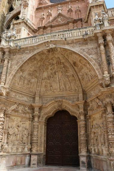 Detalle del pórtico principal de la Catedral de Astorga - Destino Castilla y León
