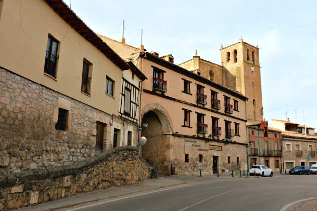 Arco de acceso al recinto histórico - Destino Castilla y León