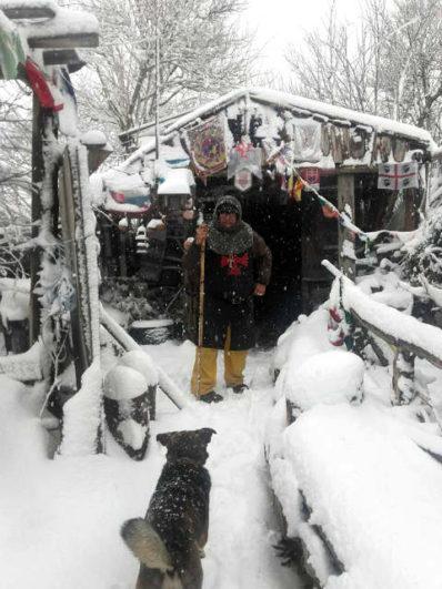 Manjarín en Invierno y Tomás, al pie del cañón - Imagen de Gronze