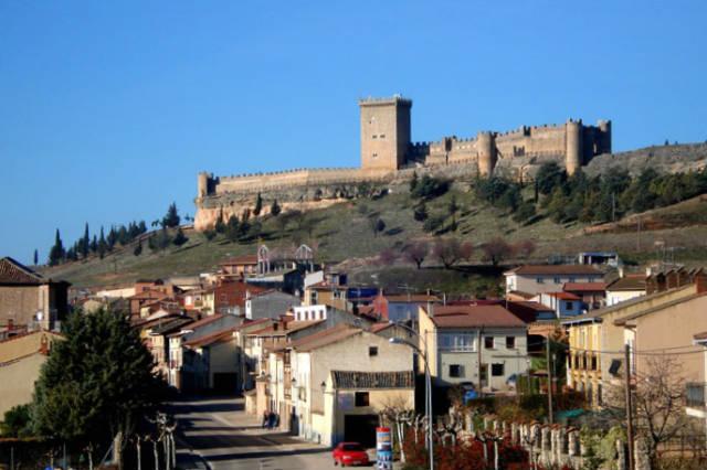 Castillo de Peñaranda desde la bodega cooperativa - Imagen de la bodega