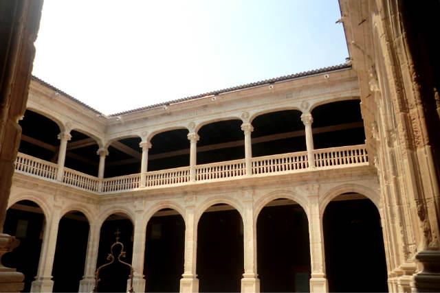 Patio del Palacio de los Condes de Miranda en Peñaranda de Duero - Imagen del Ayto
