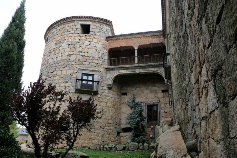 Castillo-Palacio de Magalia en Navas del Marqués Ávila