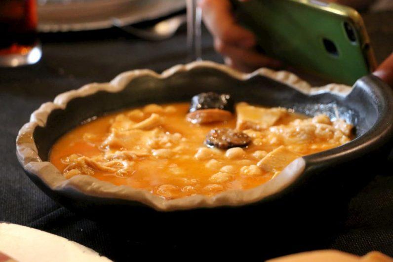 Estofado de garbanzos Restaurante La Parrilla