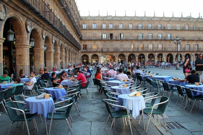 Bares de tapas en la plaza mayor de Salamanca