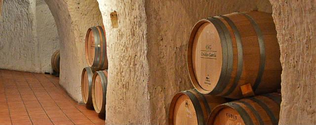 Sala de barricas de la Bodega Ovidio Garcia - Imagen de la bodega