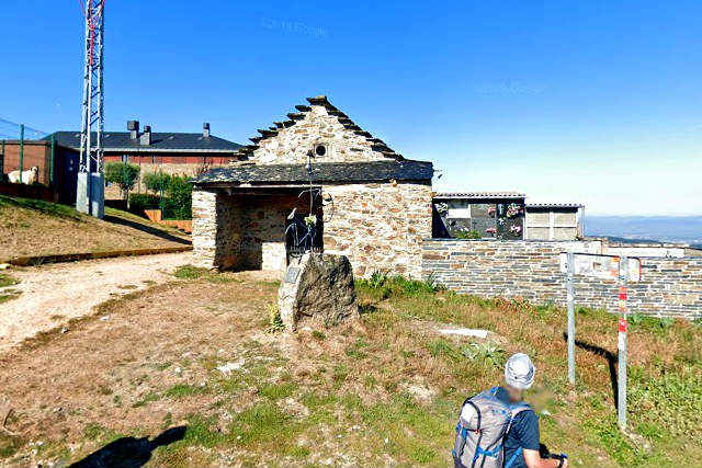 Ermita de San Miguel y monumento al Ciclista Heinich Krause - Destino Castilla y León
