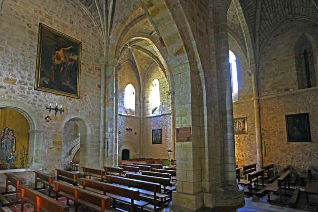 Interior de la iglesia de San Juan Bautista - Imagen de Cardinalia