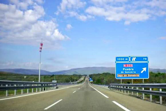 Llegada a Sanabria por la autovía - Imagen de mapio
