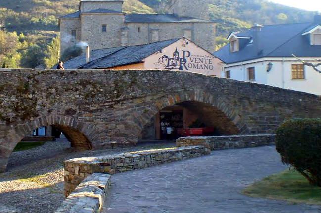 Parte romana original del puente de Molinaseca - Imagen de mapio.net