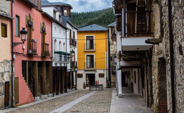 Plaza del Rollo de Molinaseca - Imagen de Turismo Molinaseca