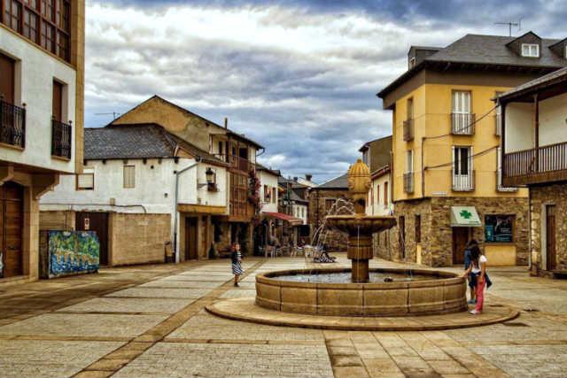Plaza de García Rey - Imagen de Turismo Molinaseca