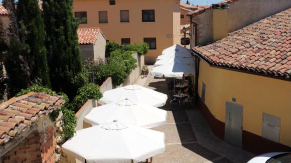 Terraza del café el Portalón de Urueña - Destino Castilla y León
