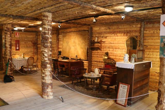 Interior del bunquer de la II Guerra Mundial en el Museo de la radio transmisión de Belorado - Destino Castilla y León