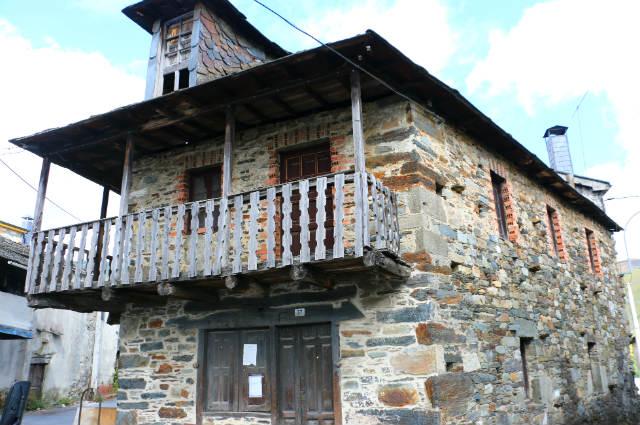 Casa de Candín en los Ancares - Destino Castilla y León