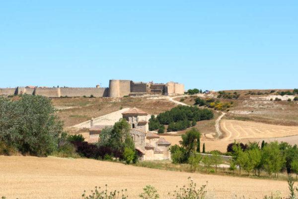 Llegando a Urueña por la carretera - Destino Castilla y León