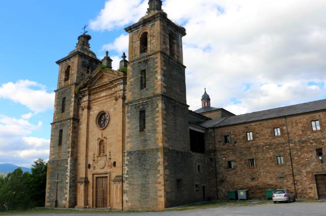 Monasterio de Vega de Espinareda en los Ancares leoneses
