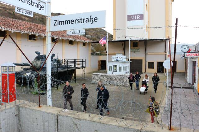 Checkpoint Charlie en el museo de la radio transmisión de Belorado - Destino Castilla y León