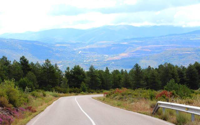 Carretera de subida al Valle de Ancares - Destino Castilla y León