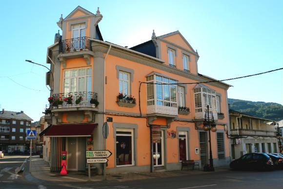 Hamburguesería La Tienda en Vega de Espinareda - Destino Castilla y León
