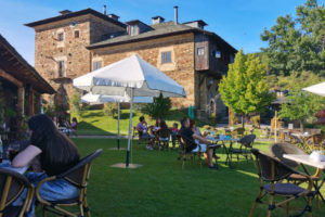 Terraza de verano del Palacio de Canedo - Destino Castilla y León
