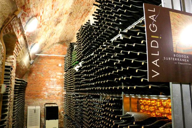 Dormitorio de botellas de Bodega Valdigal - Destino Castilla y León