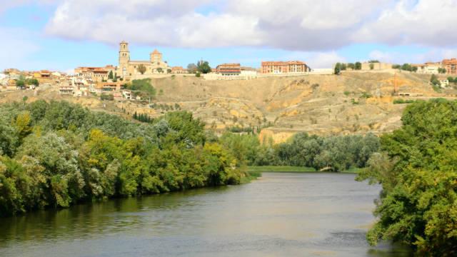 Río Duero llegando a Toro - Destino Castilla y León