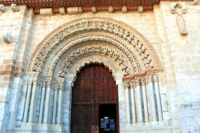 Entrada norte románica de la Colegiata de Toro - Destino Castilla y León