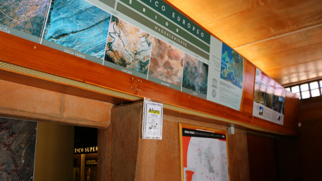 Entrada al Centro de Interpretación del Yacimiento - Destino Castilla y León