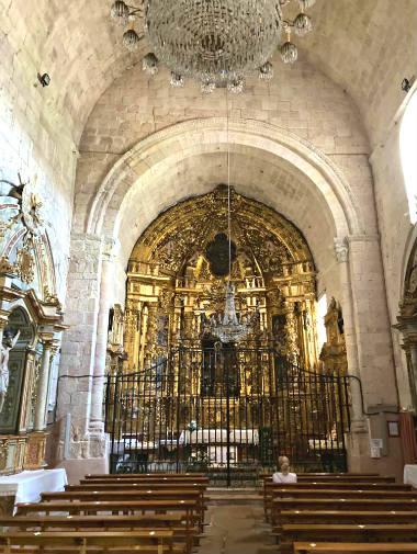 Interior del Santuario de la Virgen de la Peña - Destino Castilla y León