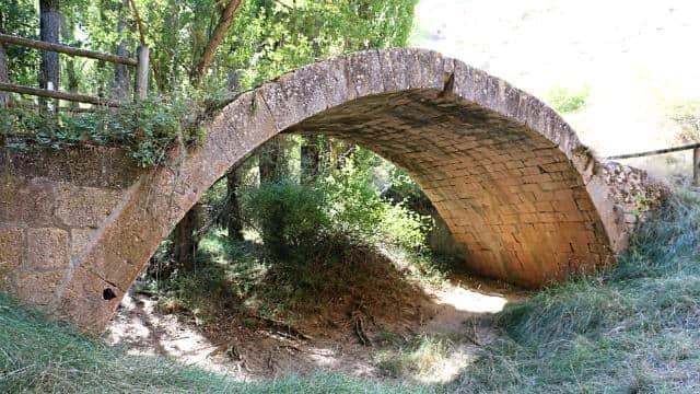 Ruina del Puente de Talcano - Destino Castilla y León